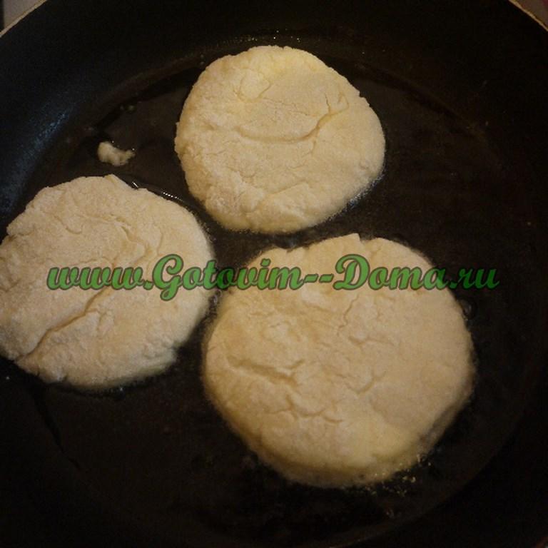 Приготовление сырничков, сырники, готовим сырнички